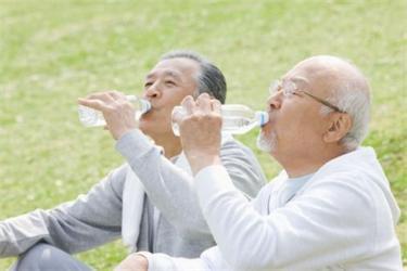 天津养老院老人夏季防暑小妙招
